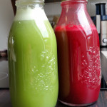 Grüner & Roter Saft in Flaschen